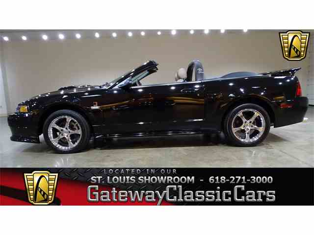 2003 Ford Mustang | 977480