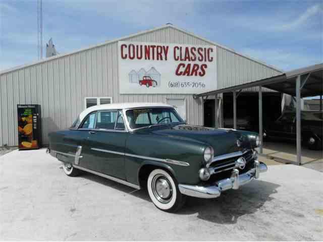 1952 Ford Victoria | 977497