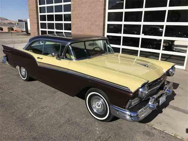 1957 Ford Fairlane 500 | 977512