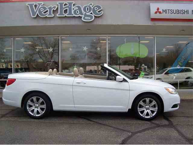 2013 Chrysler 200 | 977543