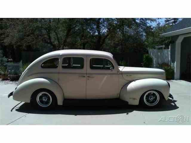 1940 Ford Deluxe | 970757