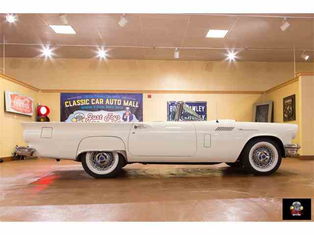 1957 Ford Thunderbird | 977794