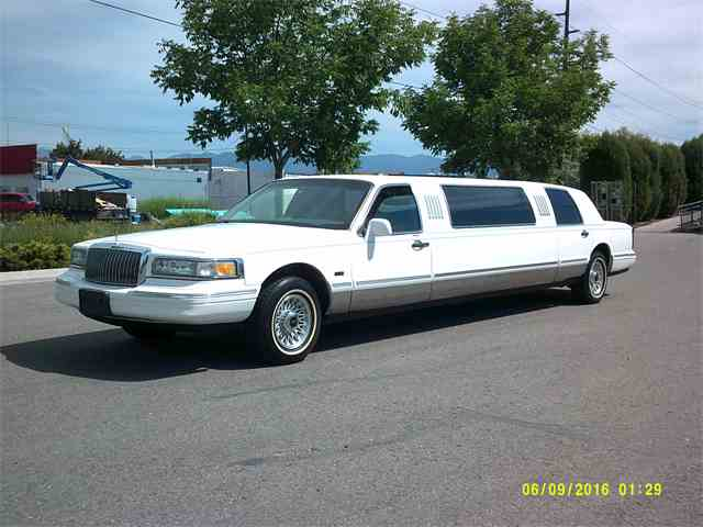1997 Ford limo | 977970