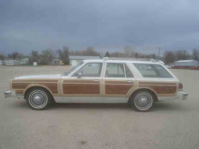 1980 Chrysler LeBaron Town & Country Wagon | 978202