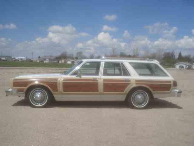 1980 Chrysler LeBaron Town & Country Wagon | 978202