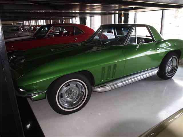 1965 Chevrolet Corvette | 978258