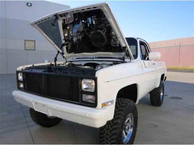 1984 Chevrolet K-10 Custom Deluxe Short Bed Pickup | 970864