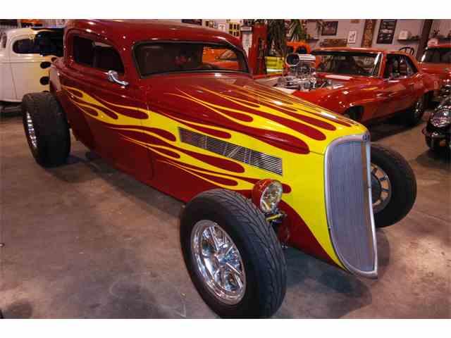 1934 Ford Custom | 978692