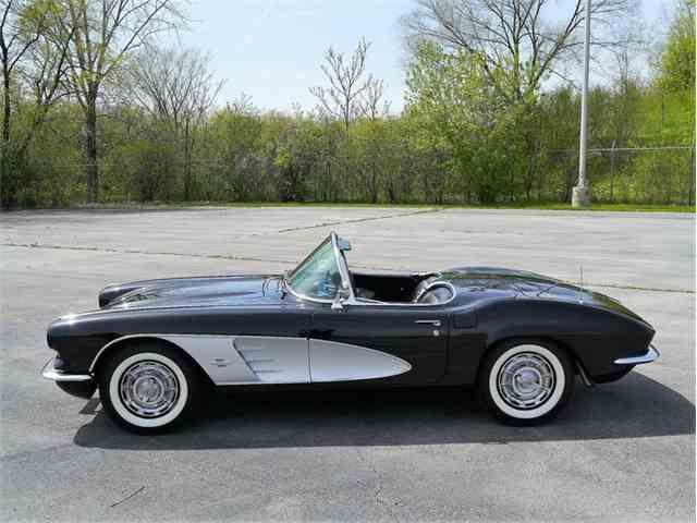 1961 Chevrolet Corvette | 978958