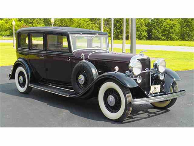 1932 Lincoln Model KB Limousine by Willoughby | 979112