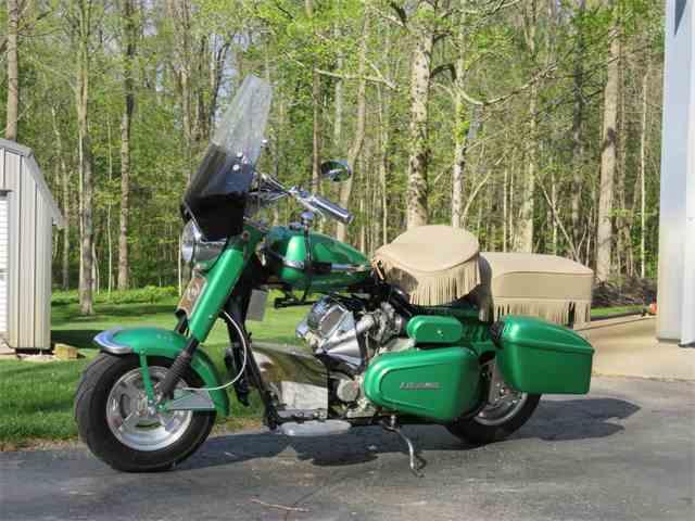 1962 Cushman Motorcycle | 979306