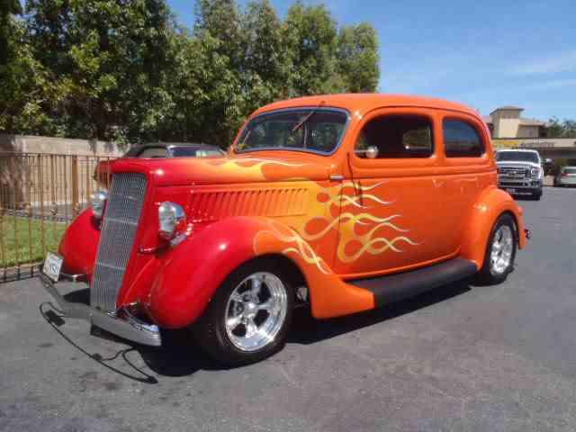 1935 Ford Tudor | 979326
