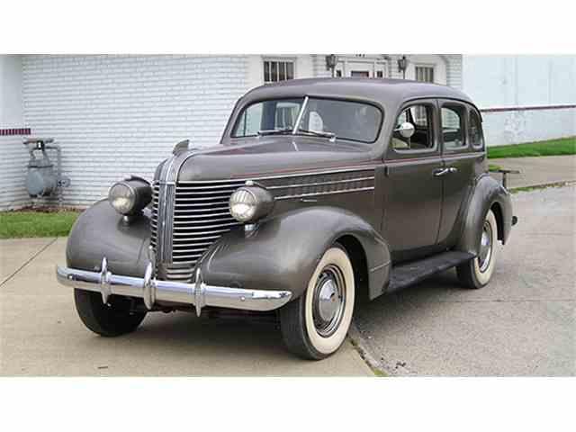 1938 Pontiac Series 28 Deluxe Four-Door Sedan | 979375