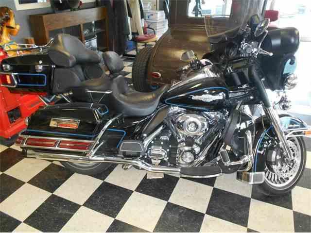 2009 Harley-Davidson FLHTCU SHRINE | 979570