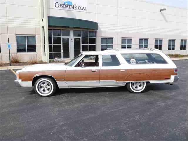 1976 Chrysler Town and Country Station Wagon | 979650