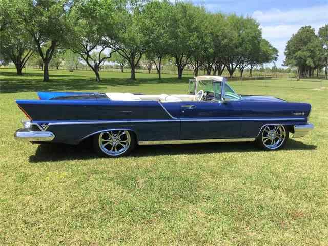 1957 Lincoln Premiere | 979664