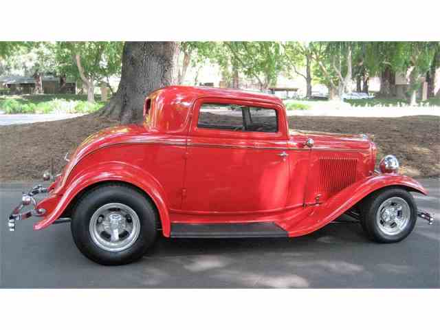 1932 Ford 3-Window Coupe | 979863
