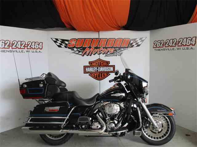 2010 Harley-Davidson® FLHTCU - Ultra Classic® Electra Glide | 981374