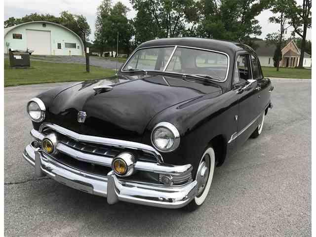 1951 Ford Custom | 981919
