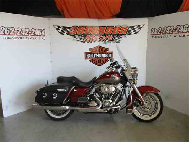 2009 Harley-Davidson® FLHRC - Road King® Classic | 982127