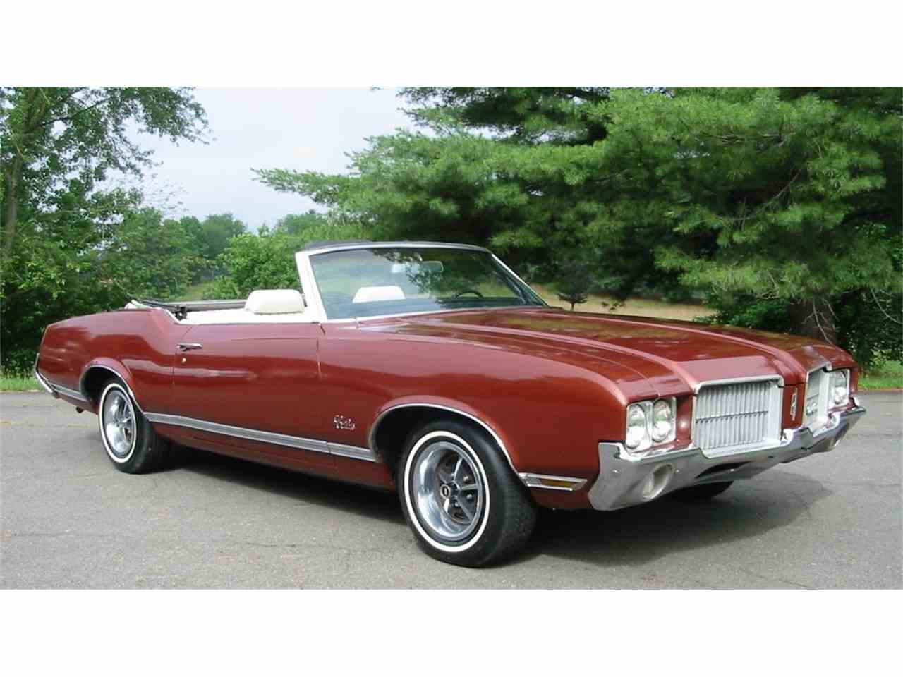 Large Picture of Classic '71 Cutlass Supreme - L1WX