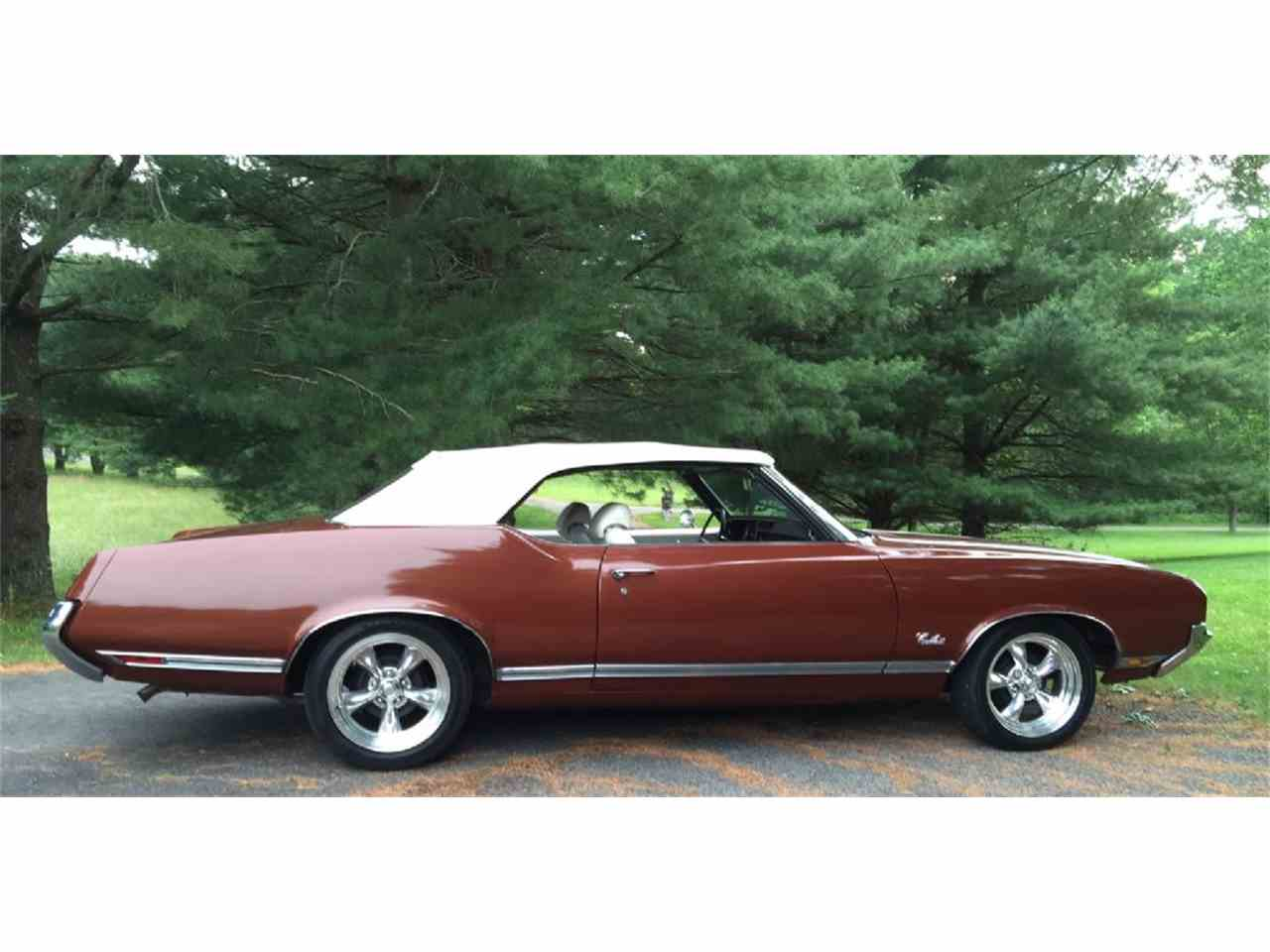 Large Picture of Classic 1971 Oldsmobile Cutlass Supreme located in West Virginia Offered by Champion Pre-Owned Classics - L1WX