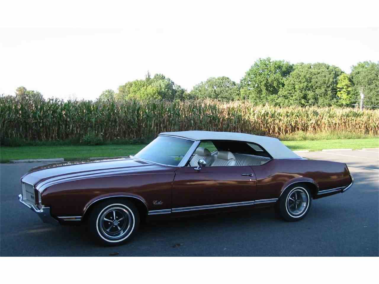 Large Picture of 1971 Oldsmobile Cutlass Supreme Offered by Champion Pre-Owned Classics - L1WX