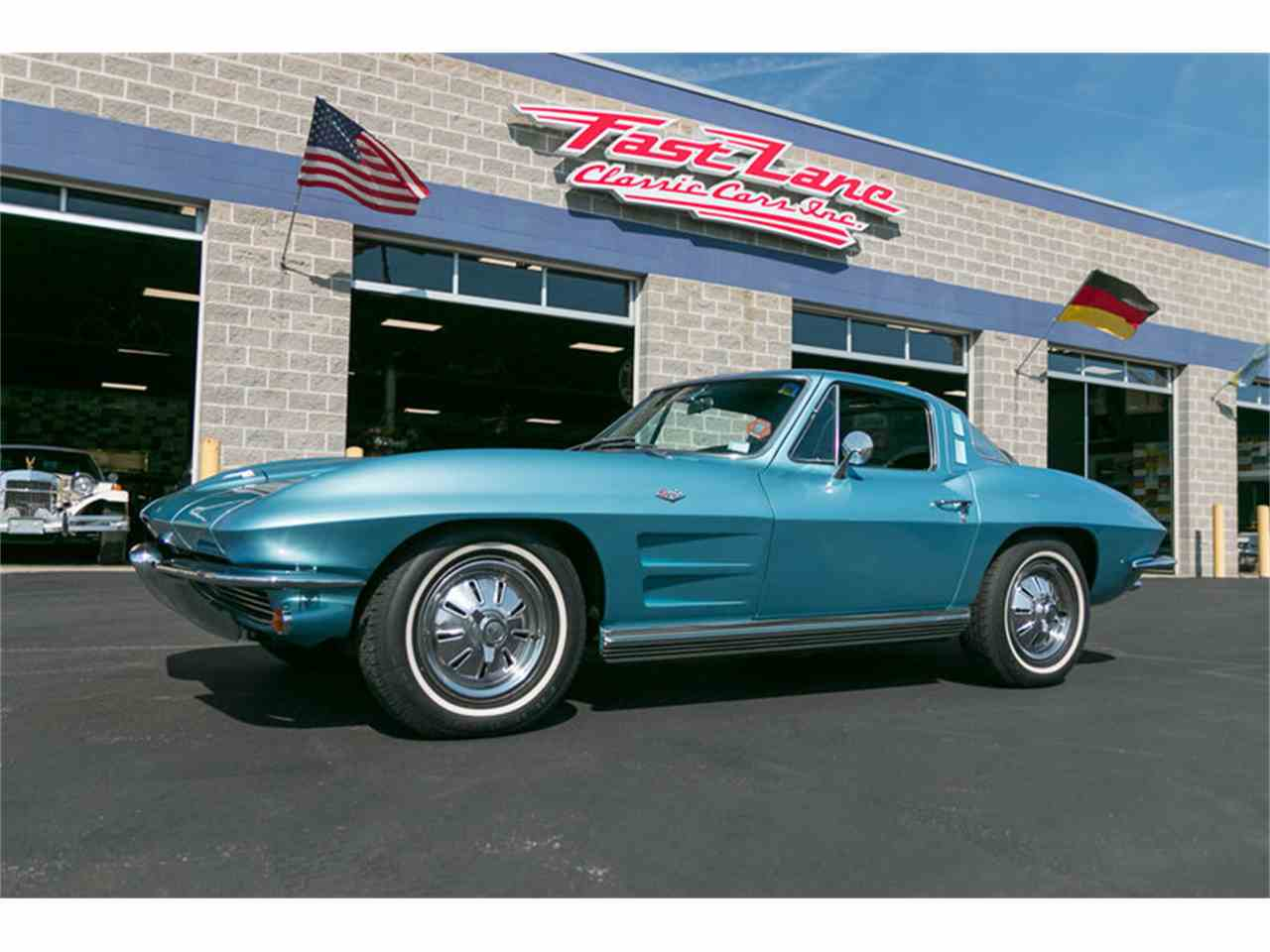 Large Picture of '64 Corvette - L222