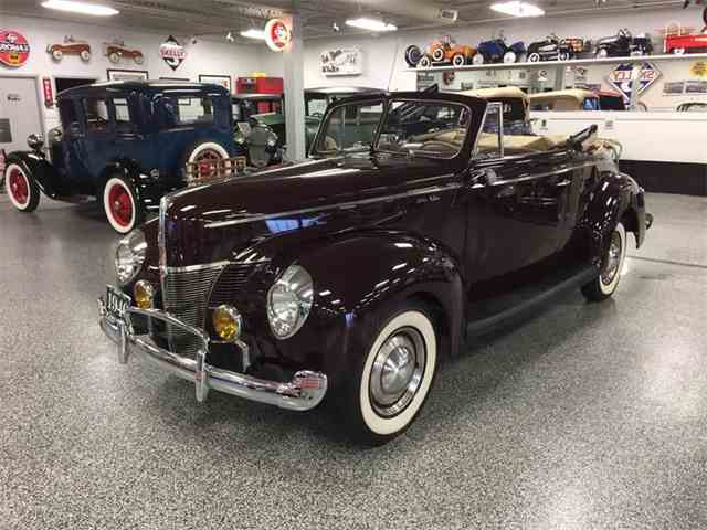 1940 Ford Super Deluxe | 982446