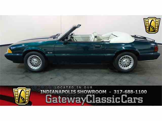 1990 Ford Mustang | 982585