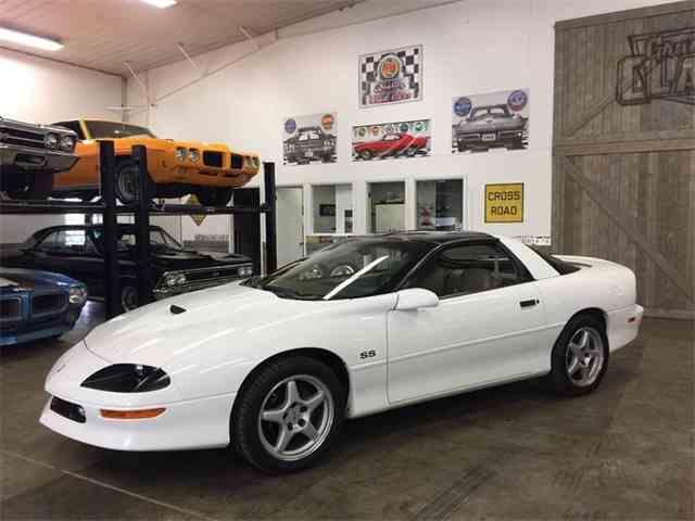 1996 Chevrolet Camaro | 983064