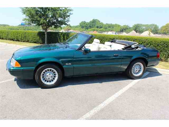 1990 Ford Mustang | 983188