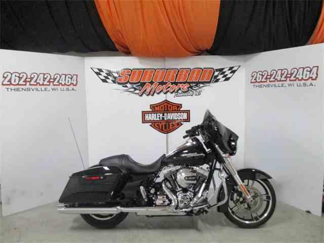 2016 Harley-Davidson® FLHX - Street Glide® | 980364