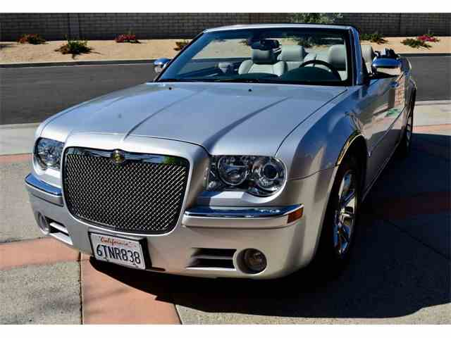 2005 Chrysler 300C | 984053