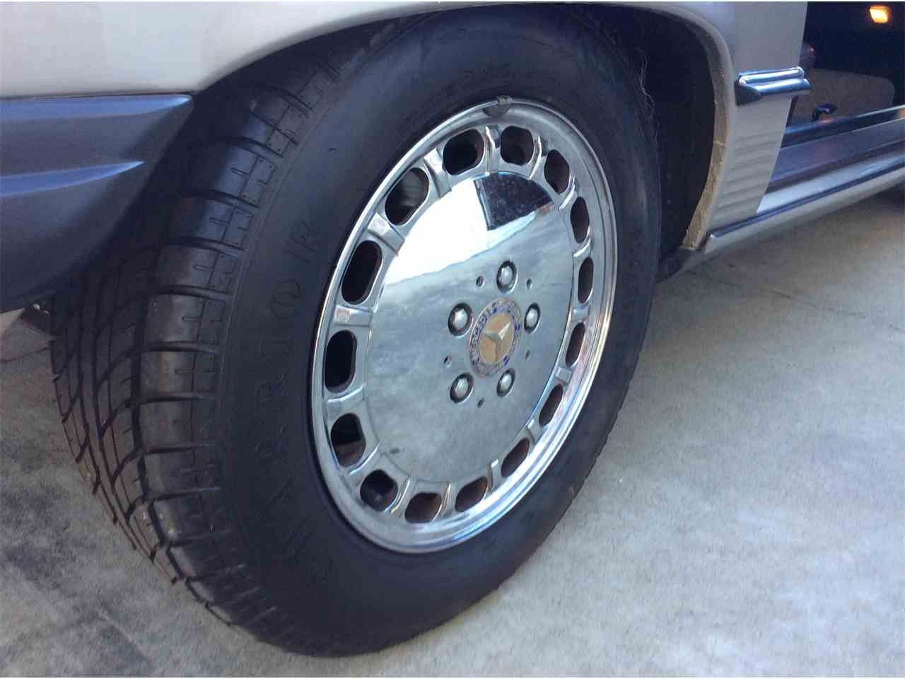 Large Picture of '89 Mercedes-Benz 560SL located in California Offered by a Private Seller - L3BY