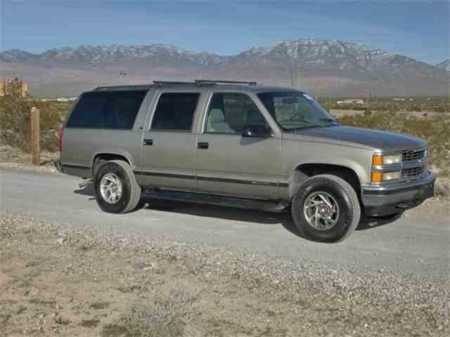 1999 Chevrolet Suburban | 984209