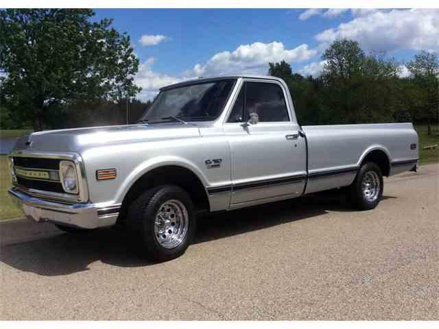1969 Chevrolet C10 | 984270