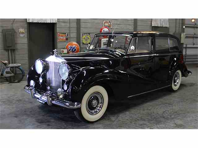 1953 Rolls-Royce Silver Wraith Limousine by H.J. Mulliner | 984360
