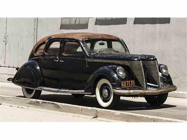 1936 Lincoln-Zephyr V-12 'Twin-Grille' Custom Sedan   984363