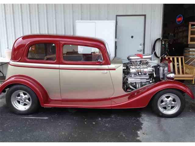1933 Ford Tudor | 984562
