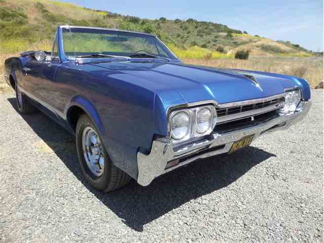 1966 Oldsmobile Cutlass   980458