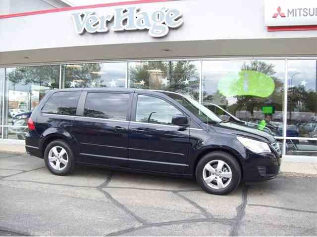 2010 Volkswagen Routan | 984642