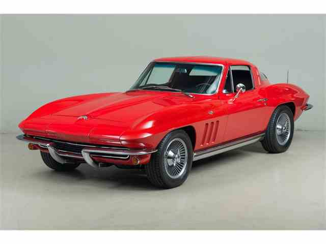 1965 Chevrolet Corvette | 984659
