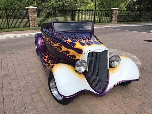 1933 Ford Custom | 984669
