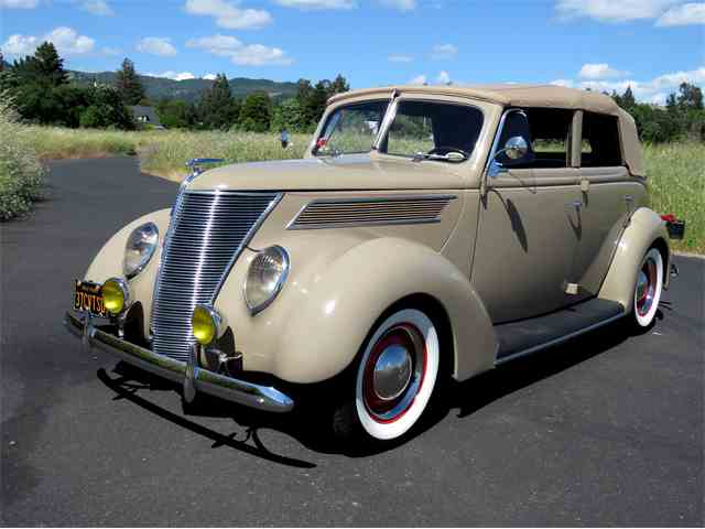 1937 Ford Deluxe | 984671