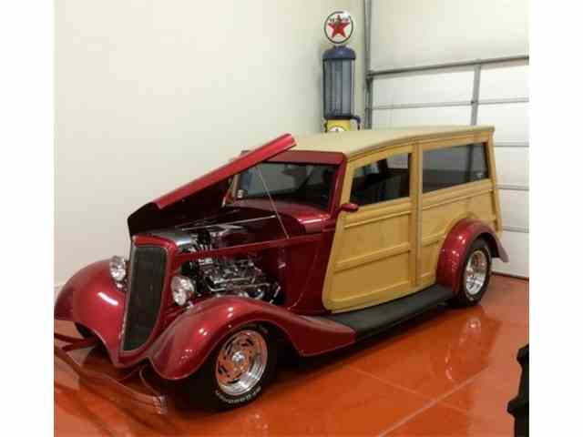 1937 Ford Woody Wagon | 984707