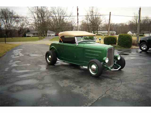 1932 Ford Roadster | 985011