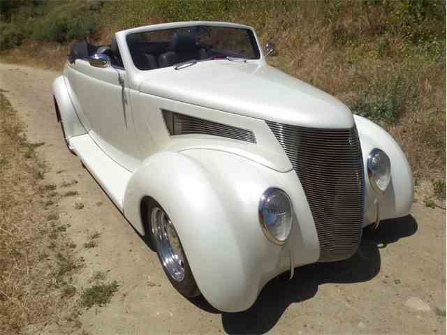 1937 Ford Cabriolet | 985058