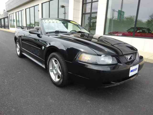 2004 Ford Mustang | 985182