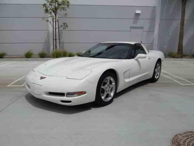 2001 Chevrolet Corvette | 985198